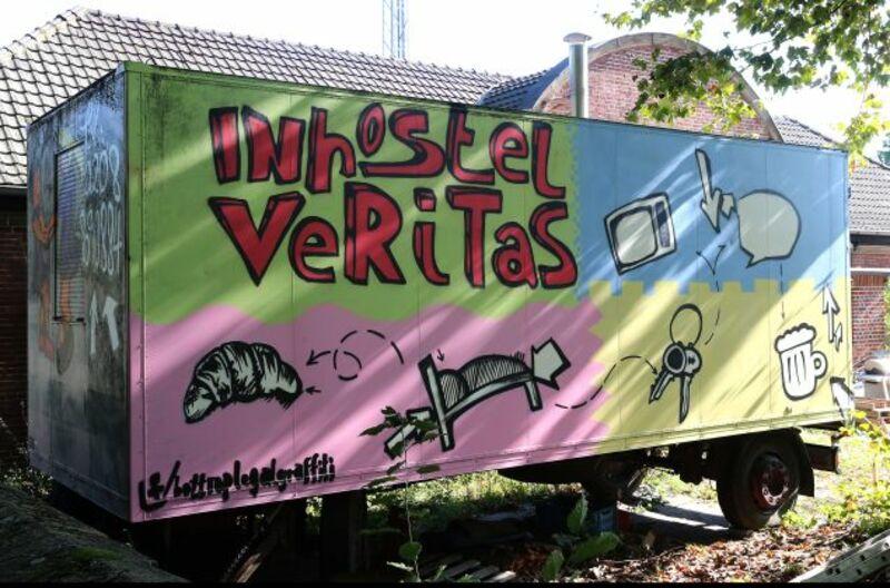 In Hostel Veritas